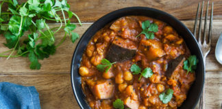 Something For The Weekend – Slow Cooker Vegetable Curry