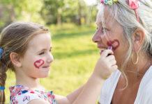 Does Late Parenthood Deprive Children Of Grandparental Love?