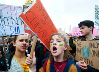 'They'll Give Me A Detention But It'll Be Worth It' – Scientist Interviews His Climate-Striking Daughter